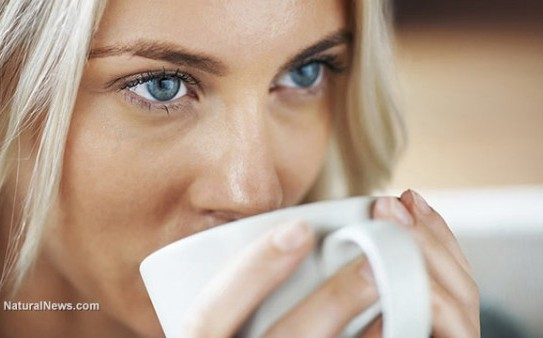 Woman-Close-Up-Face-Drink-Coffee-Tea